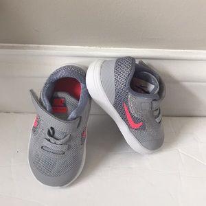 Nike revolution 3 toddler athletic tennis shoes 5C